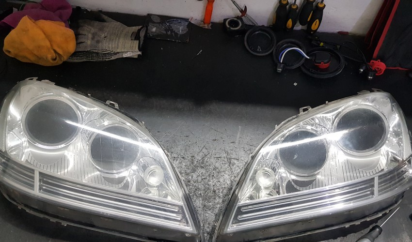 Headlight reconditioning - Mercedes ML