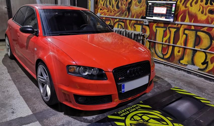 Audi RS4 - 4.2FSI